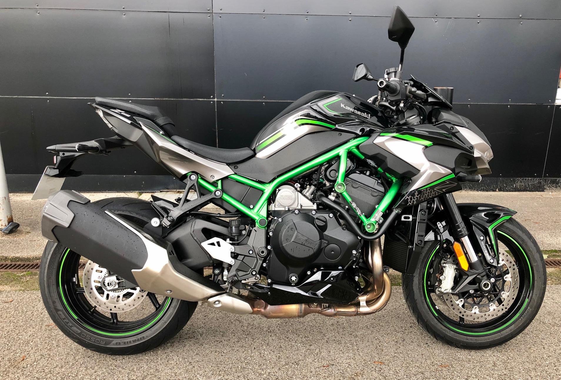 KAWASAKI ZH2 2020 998 cm3 | moto roadster | 1 390 km